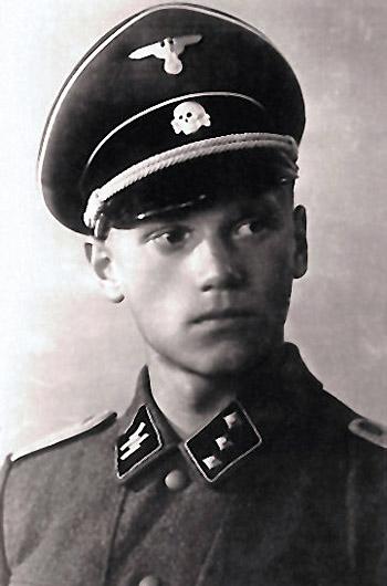 Lauri Törni jako SS-Untersturmführer