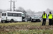Powa�ny wypadek w Lubelskiem. 22 osoby ranne w zderzeniu czo�owym busa i osob�wki