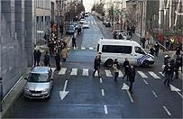 Alarm bombowy w Brukseli. Ewakuacja budynk�w Parlamentu Europejskiego