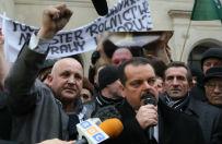 Rozmowy zwi�zkowc�w z Markiem Sawickim zerwane. Rolnicy zatrzymani na rogatkach Warszawy