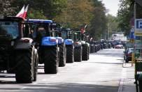 Pomorscy rolnicy blokują drogi. W czwartek będą w Warszawie