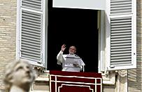 Papie� Franciszek rozda� wiernym ksi��eczki na Wielki Post