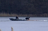 Tragedia na jeziorze Wierzchuci�skim. Stra�acy odnale�li cia�o drugiego w�dkarza