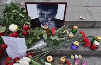 Zab�jstwo Borysa Niemcowa. Znikn�y znicze i kwiaty, opozycja oburzona