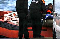 W�ochy: w morzu znaleziono cia�a 10 nielegalnych imigrant�w, uratowano 941