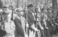 """""""Walczyli o woln� Polsk�, dzi� nie maj� za co �y�"""" - brytyjska Polonia pomaga b. �o�nierzom AK"""