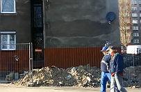 Uda�o si� wyprostowa� blok. Czas naprawia� kolejne pokopalniane szkody w Katowicach