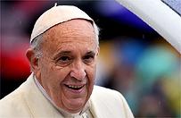 Lekarze martwi� si� zdrowiem papie�a Franciszka. W Watykanie przyty� 15 kilogram�w