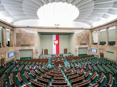 Sonda� GfK Polonia: wzrost poparcia najwi�kszych partii