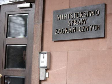 Politycy: Schetyna powinien wezwa� ambasadora USA
