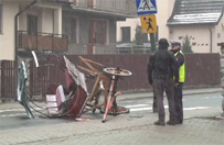 Wypadek bryczki w Zakopanem. Ko� nie �yje, wo�nica w szpitalu