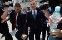 Duda rozpocz�� ostatni dzie� kampanii; ruszy� w Polsk�