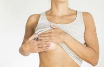 Kobiety z rakiem piersi wyrzucone poza pakiet