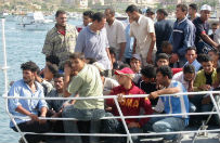 W�ochy: udzielono pomocy trzem tysi�com uchod�c�w