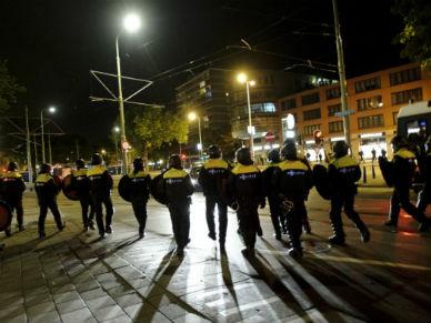 Holandia: zamieszki w Hadze, zatrzymano ponad 200 os�b
