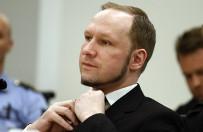 Anders Breivik b�dzie studiowa� - nauka tylko z wi�ziennej celi