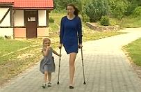 """24-latka straci�a nog� w wyniku choroby. ZUS zabra� jej rent�, bo """"ma przecie� dwie r�ce do pracy"""""""