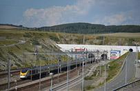 Dwa tysi�ce imigrant�w pr�bowa�o przedosta� si� do eurotunelu
