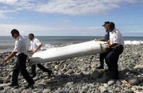 Katastrofa Boeinga 777. Malezja wysy�a ekspert�w na Malediwy