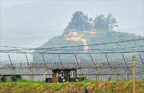 Korea P�nocna grozi atakiem Seulowi i puszcza propagandowe ulotki z nurtem rzeki