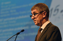 Wicepremier Czech: natychmiast zamkn�� stref� Schengen