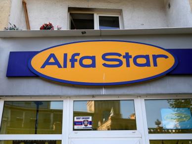 Poza granicami kraju oko�o 1500 klient�w Alfa Star. Wiadomo o grupach bez op�aconych hoteli