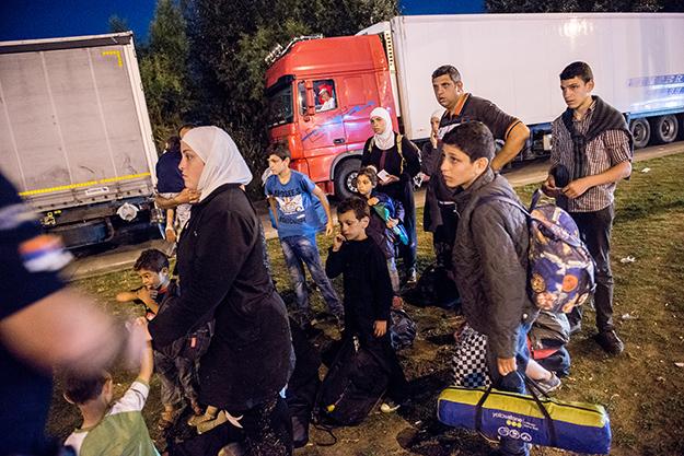 Uchod�cy z Syrii zatrzymani na granicy serbsko-w�gierskiej
