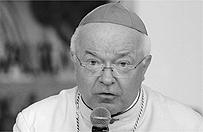 J�zef Weso�owski b�dzie pochowany jako duchowny. Zakaz wst�pu dla medi�w na msz� �a�obn�