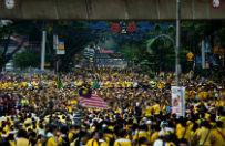 Malezja ma do�� premiera Najiba Razaka. Wielki skandal finansowy przela� czar� goryczy