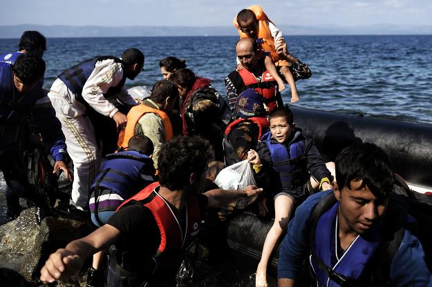 KE chce rozdzieli� mi�dzy cz�onk�w Unii uchod�c�w, kt�rzy nap�ywaj� do Europy