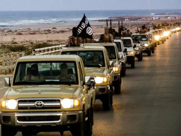 Parada bojownik�w Pa�stwa Islamskiego w Libii