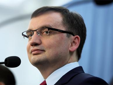 Zbigniew Ziobro por�wnuje Ew� Kopacz do Putina: prowadzi niezwykle nachaln� akcj� propagandow�