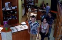Okradli sklep jubilerski w Ko�cianie. Policja opublikowa�a nagranie kradzie�y