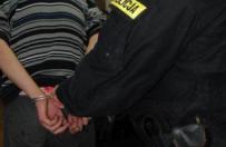 21-latek z Gniezna przyszed� na policyjne przes�uchanie w skradzionych butach