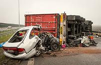 Tragiczny wypadek na autostradzie A1, zgin�o pi�� os�b