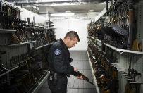 Sk�d terrory�ci z Pary�a mieli karabiny Ka�asznikowa? Europa ma powa�ny problem