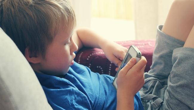 Smartfon dla dziecka – kupić czy nie?