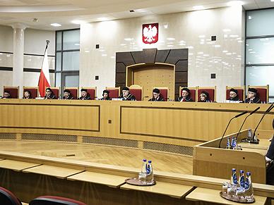 Prokurator Generalny kwestionuje podstaw� wyboru dw�ch s�dzi�w TK