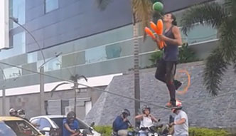#dziejesiewmoto: Żongler na pasach