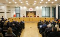 Kto ostudzi polityczn� gor�czk�? W Polsce brakuje autorytet�w