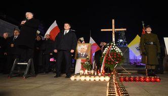 Kaczyński chce dwóch pomników i tablicy upamiętniającej katastrofę smoleńską