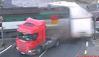 #dziejesiewmoto: wypadki z pociągami
