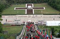 """""""�wi�teczny jarmark"""" na Monte Cassino. MSZ: podj�li�my ju� dzia�ania, to niedopuszczalne"""