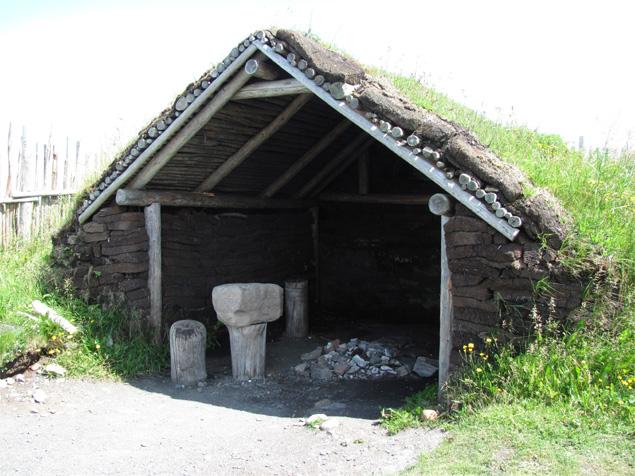Rekonstrukcja kuźni wikingów w L'ans aux Meadows