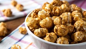Karmelizowany popcorn na słodko