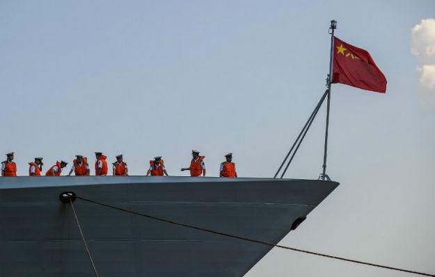 Okr�t chi�skiej marynarki wp�ywa do Hawany, listopad 2015 r.