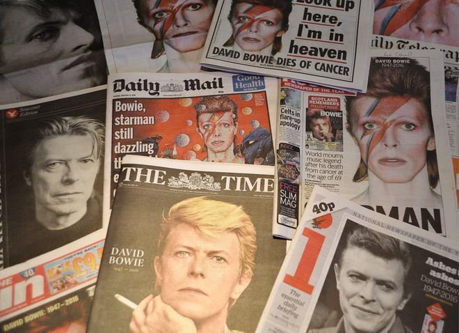 �wiat mody i muzyki �egna Davida Bowiego