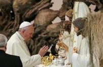 Proces w sprawie szat liturgicznych dla papie�a Franciszka