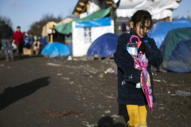 Kobiety podróżujące same lub tylko z dziećmi czuły się szczególnie zagrożone na Węgrzech, w Chorwacji i w Grecji