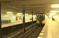 Berlin: 28-letni m�czyzna wepchn�� 20-latk� wprost pod poci�g metra